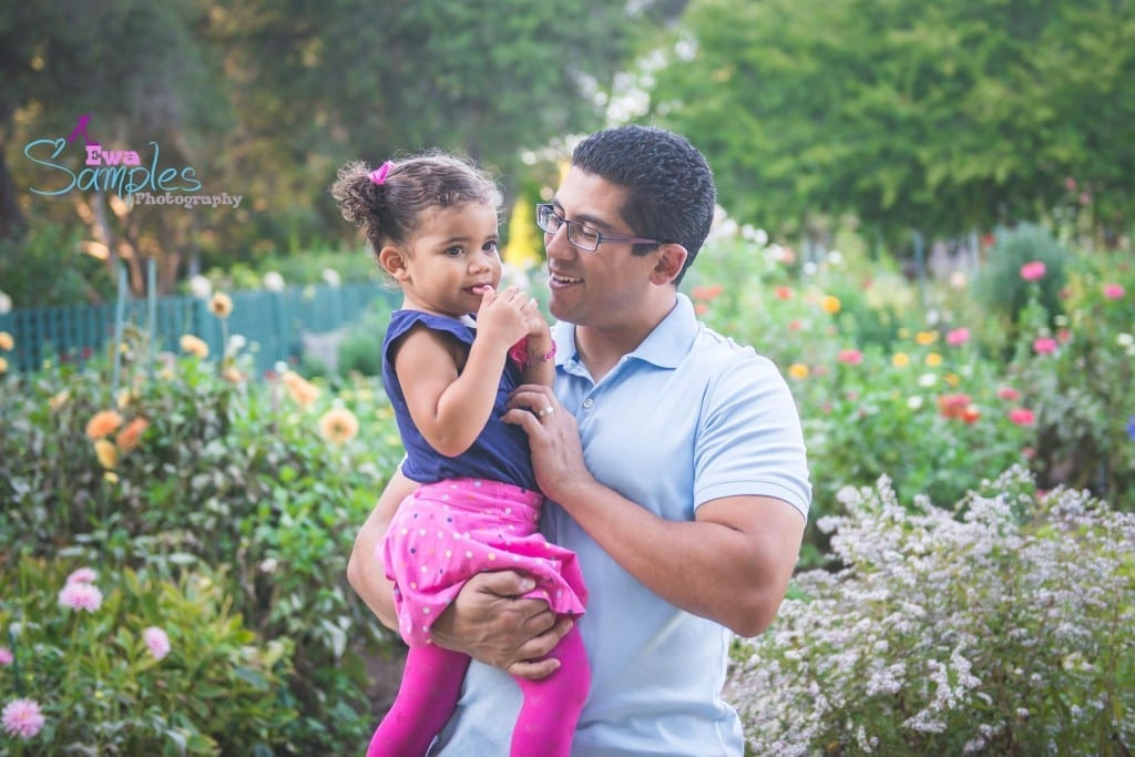 dad_and_daughter_photos_ideas_ewa_samples_photography_elizabeth_gamble_garden_palo_alto