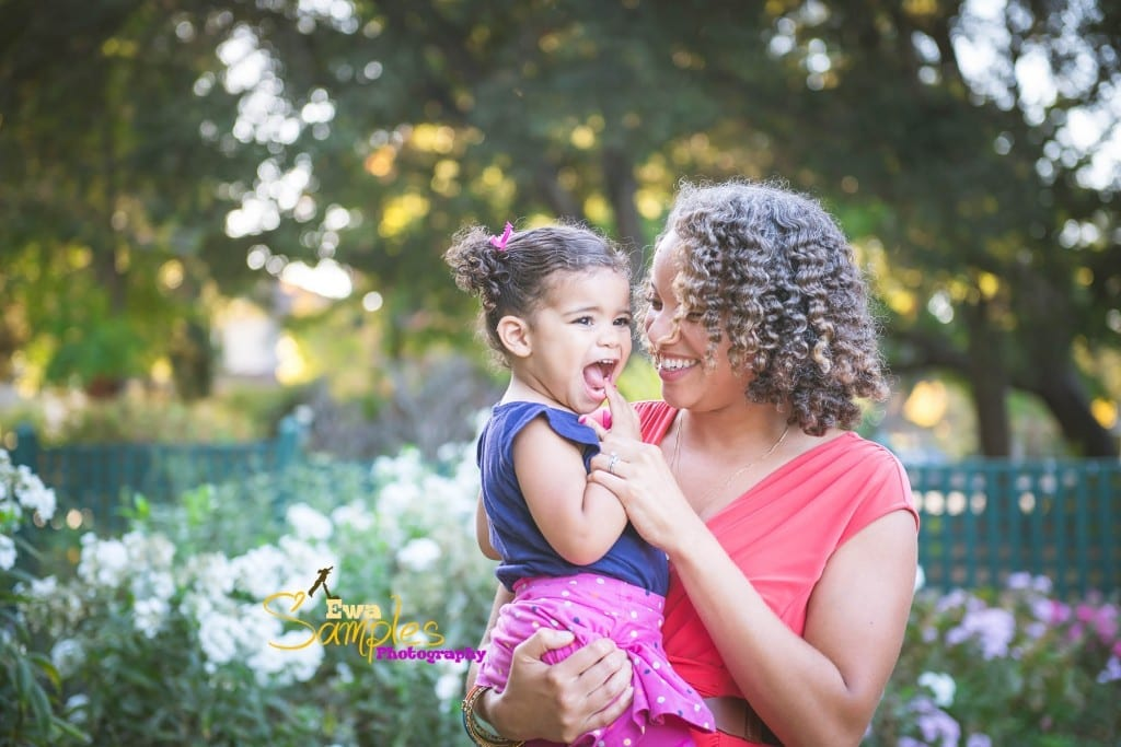mom_and_daughter_photos_ideas_ewa_samples_photography_elizabeth_gamble_garden_palo_alto