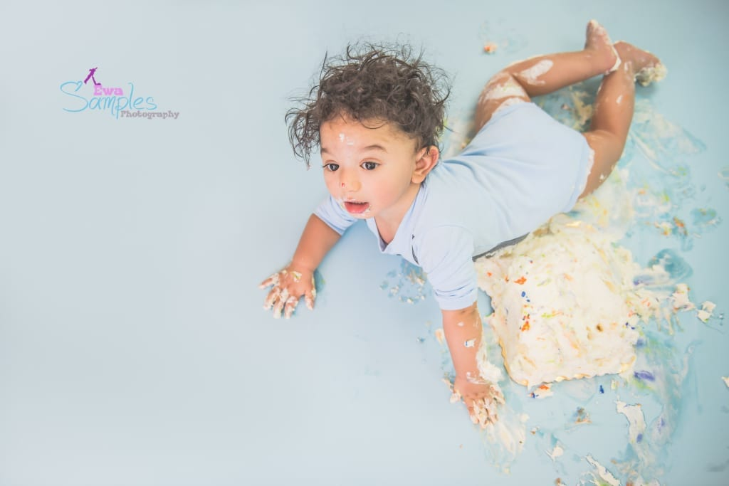 boy_smash_cake_redwood_city_los_gatos_family_photographer_ewa_samples-1