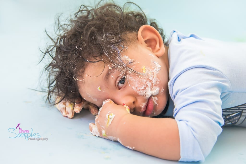 boy_smash_cake_redwood_city_los_gatos_family_photographer_ewa_samples-2