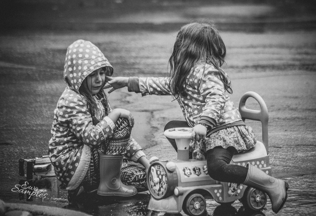 fun kids pictures in the rain san jose california-18