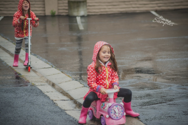 fun kids pictures in the rain san jose california-7